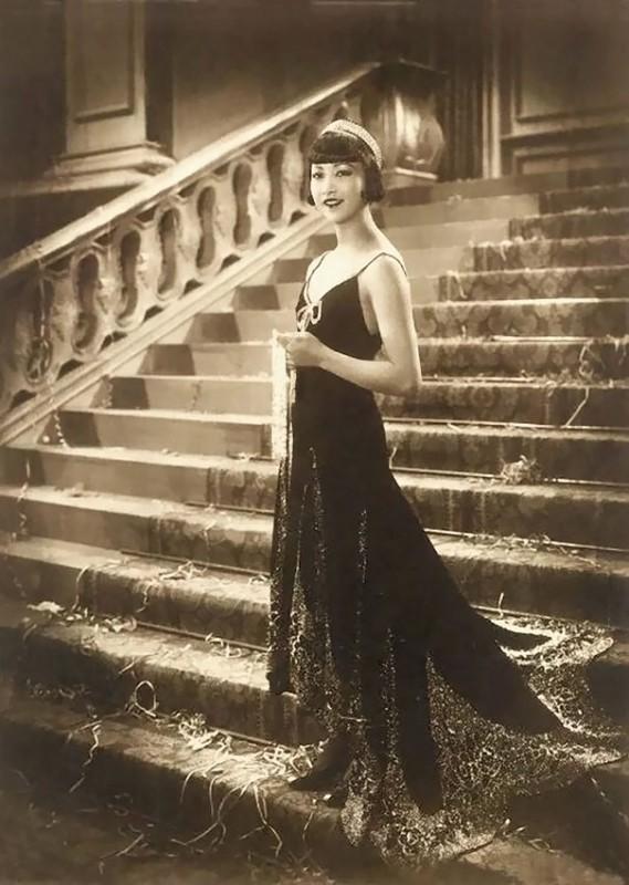vintage-women-beauty-1900-1910-82__605