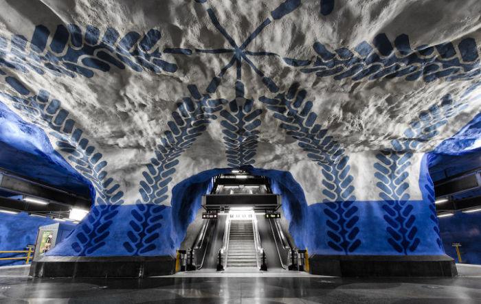 Стокгольм, Швеция - станция метро. 3