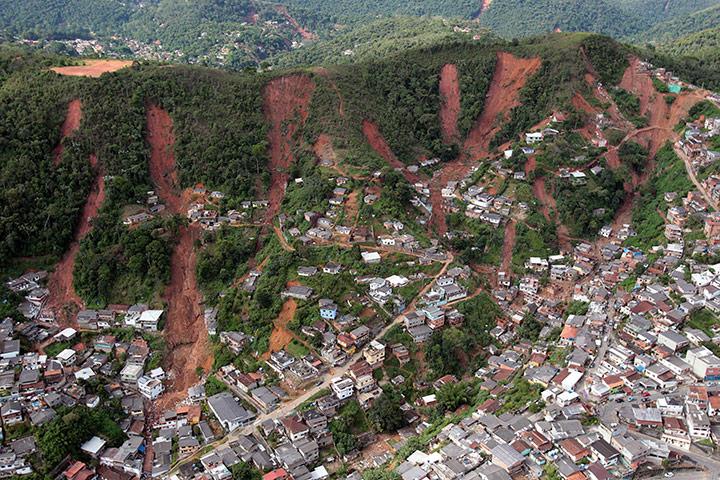 Heavy-rain-in-Brazil1