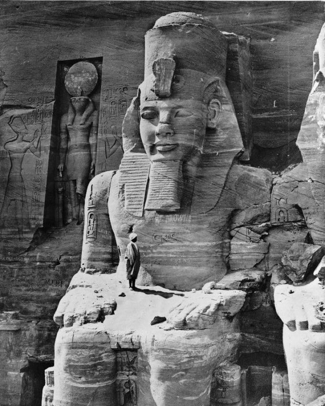 Photos of Ancient Egyptian Monuments More Than 100 Years Ago (4)