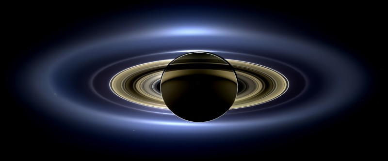 Saturn_eclipse_mosaic_bright