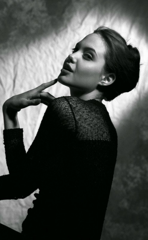 angelina-jolie-young-15-years-old-harry-langdon-4