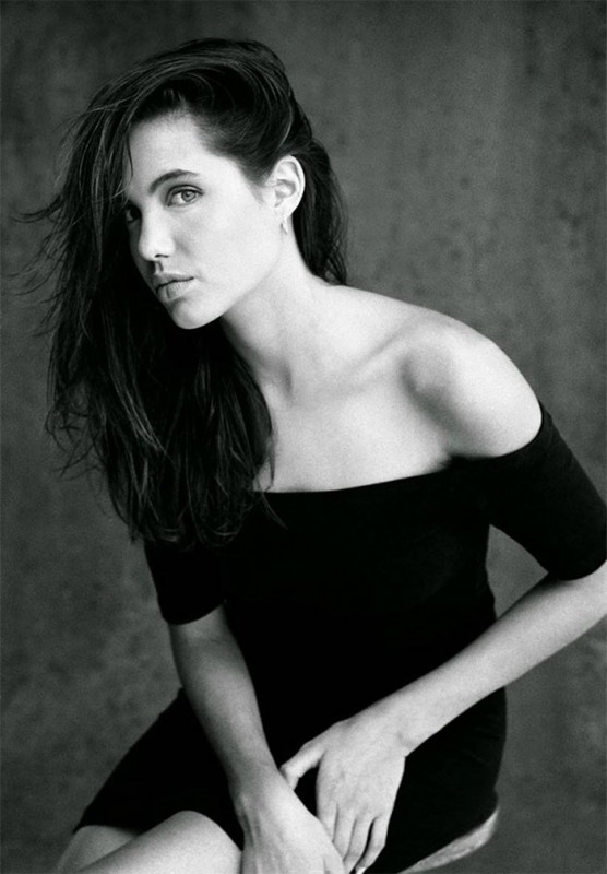 angelina-jolie-young-15-years-old-harry-langdon-5