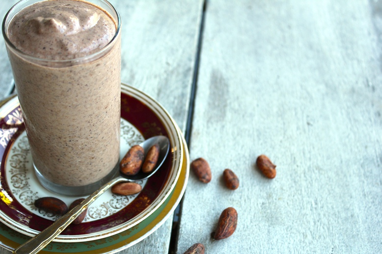 cashew-cacao-bean-smoothie-full-glass
