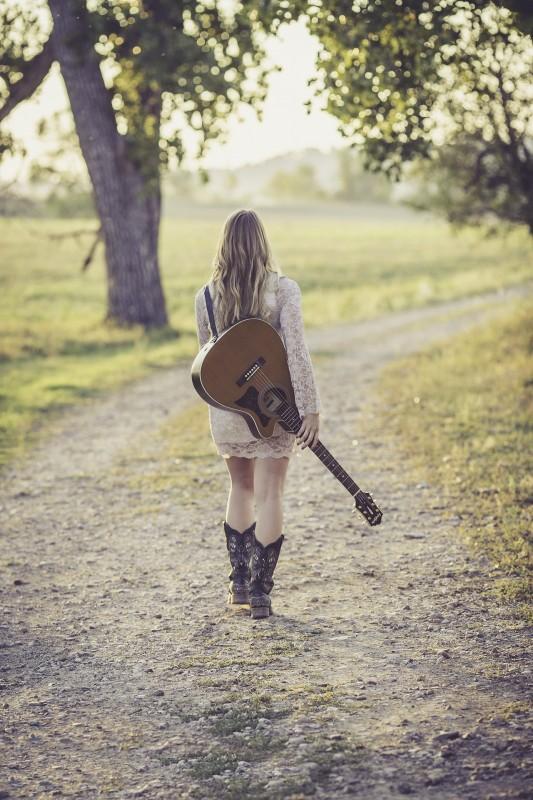guitar-946701_1920