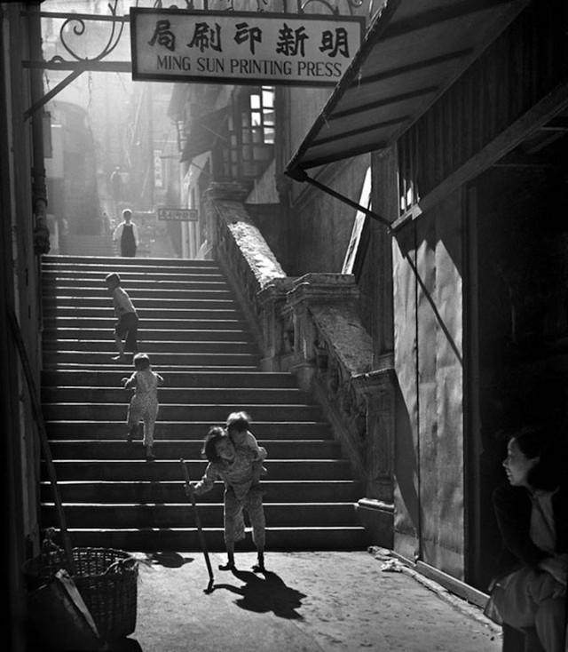 street-photography-hong-kong-memoir-fan-ho-241-640x734