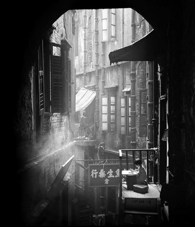 street-photography-hong-kong-memoir-fan-ho-331-640x746