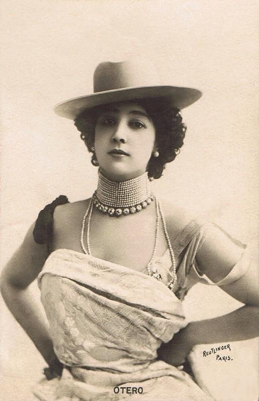 vintage-women-beauty-1900-1910-59__605