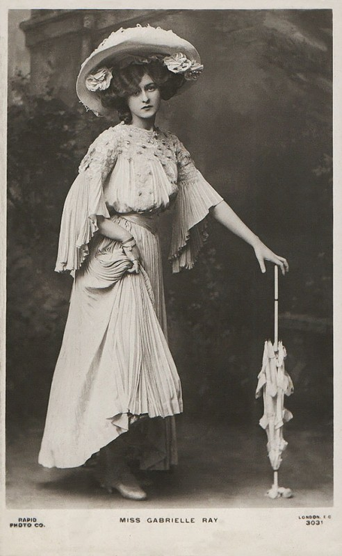 vintage-women-beauty-1900-1910-76__605