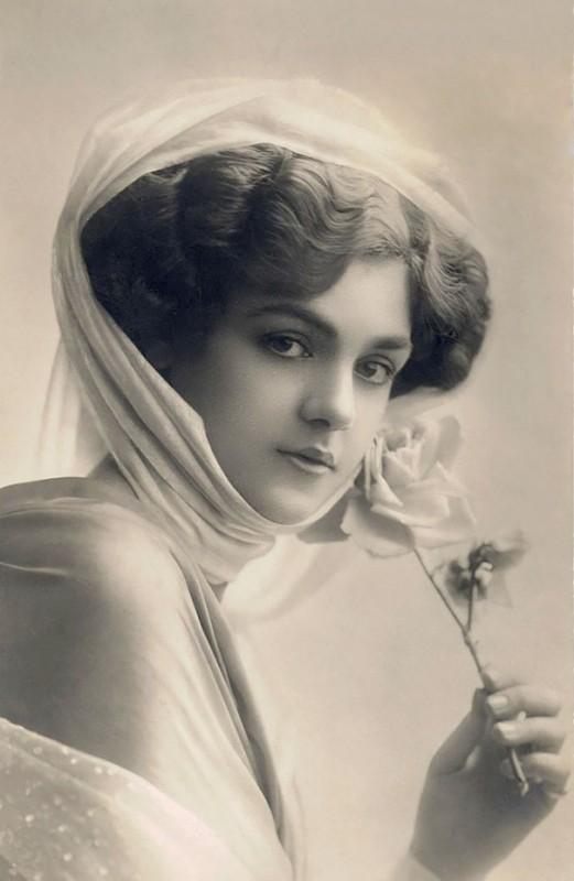 vintage-women-beauty-1900-1910-80__605