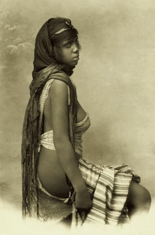 vintage-women-beauty-1900-1910-81__605