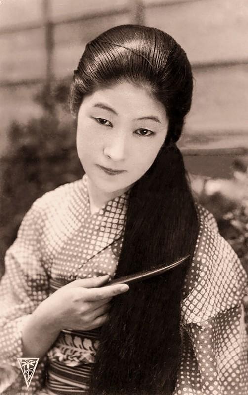 vintage-women-beauty-1900-1910-86__605