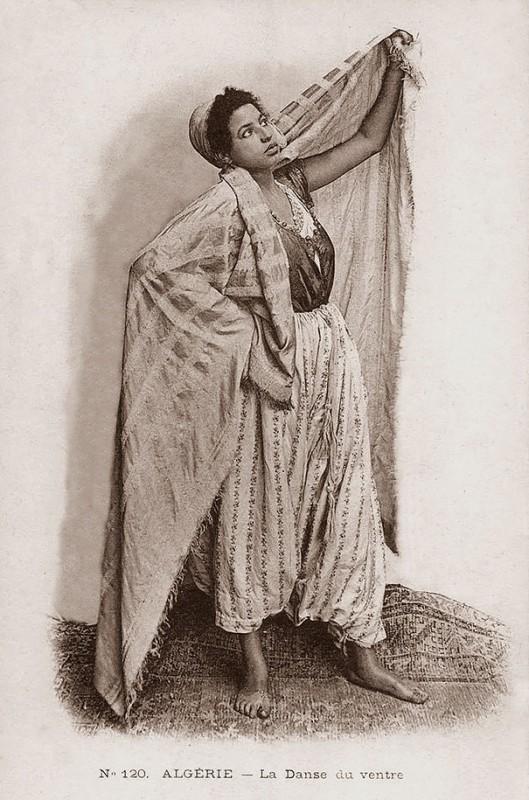 vintage-women-beauty-1900-1910-89__605