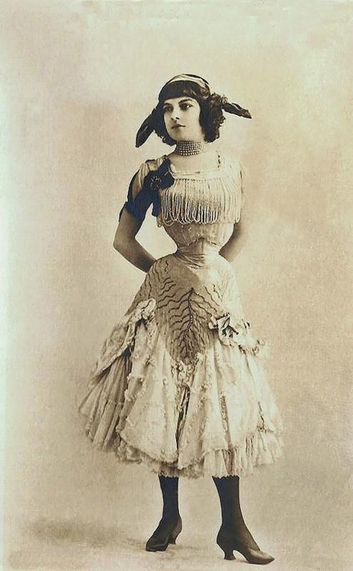 vintage-women-beauty-1900-1910-90__605