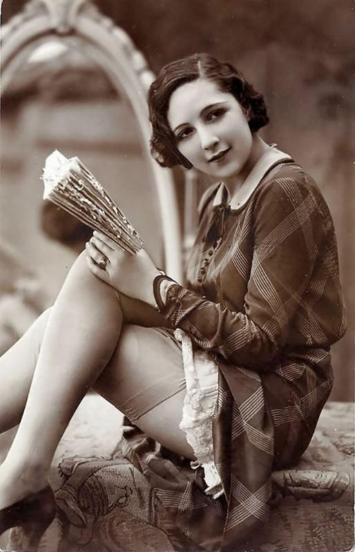 vintage-women-beauty-1900-1910-93__605