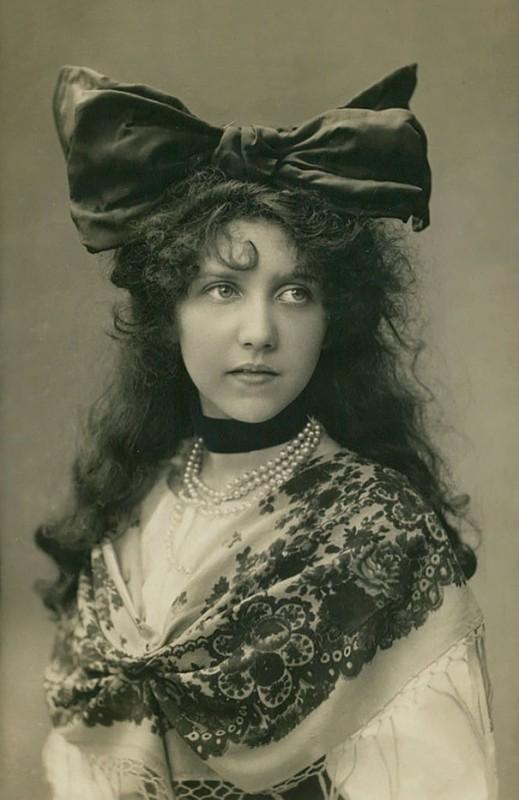 vintage-women-beauty-1900-1910-96__605